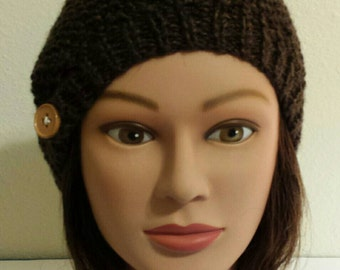 Woman's Chocolate brown seedy knit beret.