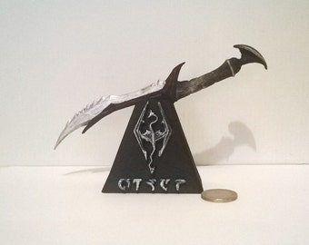 Customized replica Skyrim Daedric dagger 3d printed cosplay  and miniature dagger with customized stand