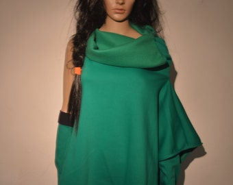 The Green Tunic and its detachable sleeves