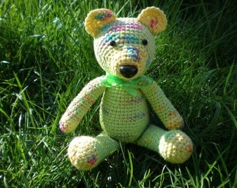 Bear. Soft knitted toy.