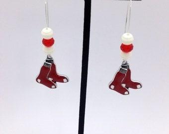 1 Pair - Boston Red Sox  Theme Dangle Beaded Earrings Brass Ear wire Kidney Style EAR0044