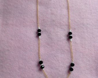 Black & White Chain Beaded Necklace.