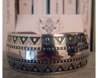 Thick bracelet silver ethnic style