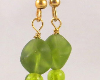 Green Glass Fashion Beaded Earrings