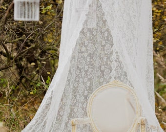 Amazing lace canopy for wedding