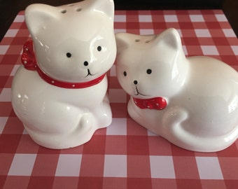 Ceramic Cat Salt and Pepper Shaker Set Red and White Kitty S & P Shakers