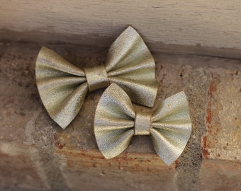 Leather bow clip, Metallic Gold, leather bow clip, small hair clip, baby bow, leather bow hair clip