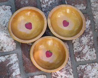 Wood salad bowls with handpainted Strawberry