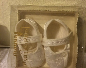 Vintage white embroidered infant booties