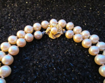 Vintage Gold & Faux Pearl Clasp Pearl necklace