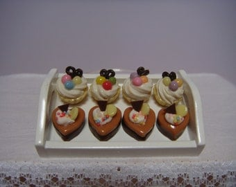 A tray of 8 delicious cakes for your patisserie or cake shop