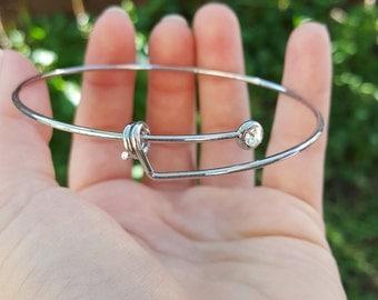 1 Silver Tone Expandable Bangle Bracelet with Rhinestone B75795