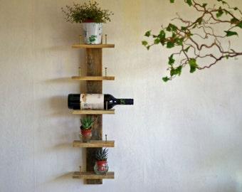 Pallet wood rack, wine rack, bottle rack, wall shelf, shelf range of Upcyclingregal