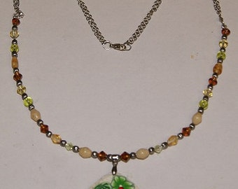 Handmade necklace with flower pendant