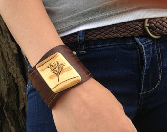 Leather Cuff|High Quality|Vegetable Tanned leather|Lilac Wood| Handmade| Sized To fit | Ecofriendly