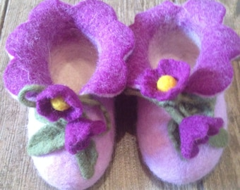 Pink Baby's felted bootees, Unique HANDMADE baby shoe, First walker shoes for infants/kids/toddlers new