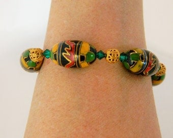 """Chunky Glass Beaded Bracelet Abstract Design Toggle Clasp Gold Tone 7.5"""""""