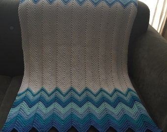 Crochet chevron/ zigzag cot/cot bed blanket