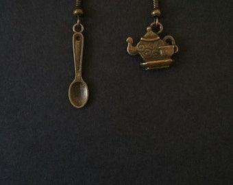 """Bronze """"Tea Time"""" Steampunk Alice In Wonderland Themed Drop Earrings."""