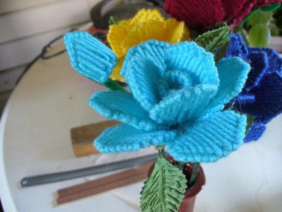 Long stem light blue rose by lynnswhatknotshoppe on etsy for Blue long stem roses