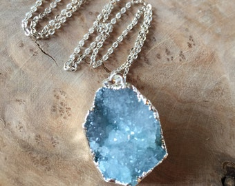 Druzy Pendant Necklace, Geode Necklace, Natural Agate Stone, Blue Agate Stone, Crystal Necklace, Silver Plated Necklace, Dainty Necklace
