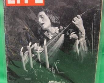 Life Magazine December 26, 1938 - Ollo Baldauf Medieval Minstrel on the Cover.