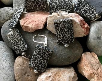 Leopard bracelet and earrings set