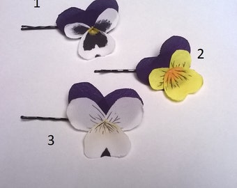 PIN with thought or synthetic and painted silk hand-viola. Flower bobby pin.