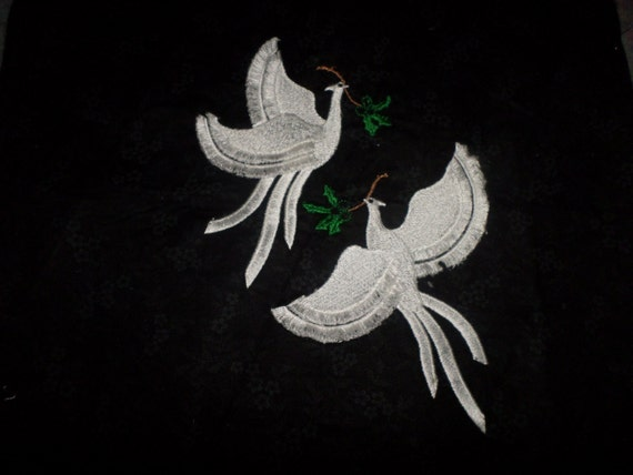Christmas Fringed Doves Embroidered Quilt Blocks 12 12 Inch