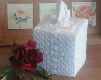 Tisseudoos square white