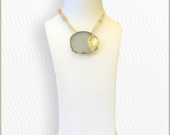 Chunky agate pendant necklace