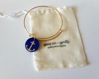 Sparkle Anchor Acrylic Charm Bangle//Adjustable Wire Bangle//Stackable Bangle//Acrylic Disc