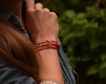 Red bracelet with ink Navy