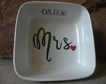 Mrs. Ring Dish