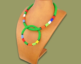 Beaded necklace and bangle set