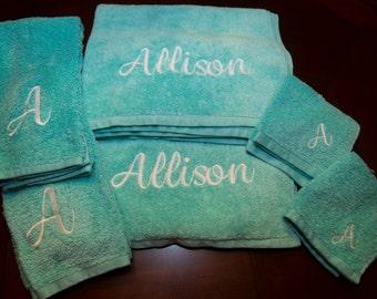 Girl College Towels, College Towel Bath Set, Monogrammed Girl Towels, Graduation Towels, Graduation Gift