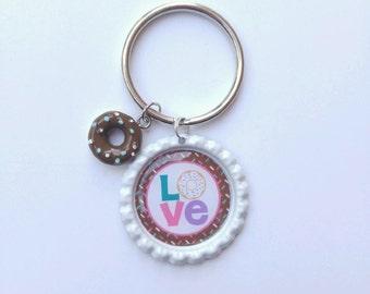 Love keychain // donut keychain Love // key chain / key ring / love bottle cap keychain/ bottle cap