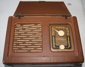 Vintage Motorola Model 61L11 Flip Front 1940s Portable Tube Radio