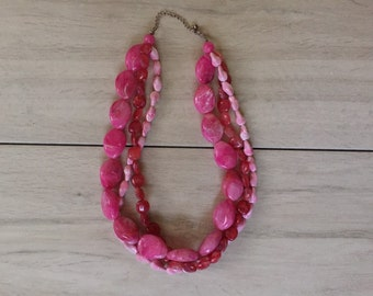 candy pink necklace / marbled pink beaded necklace