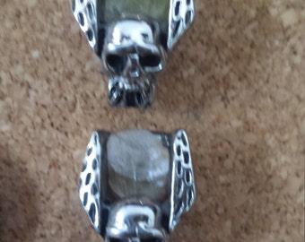 Matching winged skull w/ termoline pin