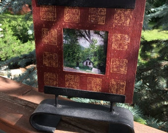 Red picture frame w holder