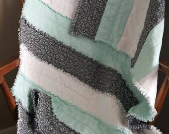 Mint Crib Quilt - Mint, Grey and white Rag Quilt - Modern - Baby Quilt - Gender Neutral- Baby Bedding - Handmade