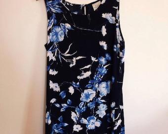 SALE- 90's Vintage minimal floral shift dress, grunge