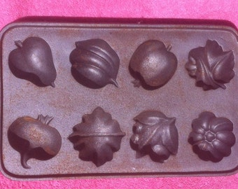 Vintage Fruits and Vegetables Die Cast Iron Mold, John Wright, Made in USA, Heavy Duty Cast Iron, Vintage Cast Iron, Quality Cast Iron