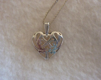 """20"""" Sterling Silver Box Chain Necklace with Sterling Silver Heart Pendant"""