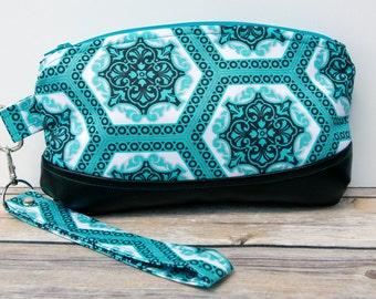 Turquoise blue Wristlet Clutch bag - Handade