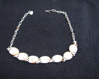 """Vintage 15"""" gold tone and mother of pearl necklace"""