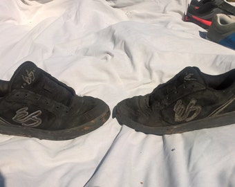 RARE* ES footwears EOS. size 9 and a half.