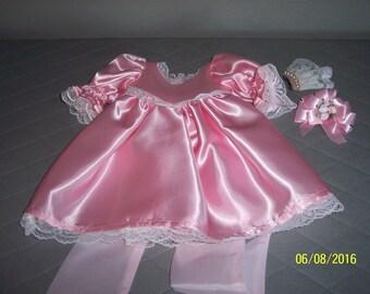 "19"" brides maid dress (fits American Girl doll)"