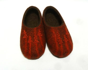 Felted slippers for women - Тerracotta slippers with embroidery - Felt shoes - Ecofriendly